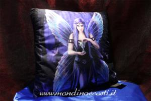 Cuscino Enchantment di Anne Stokes