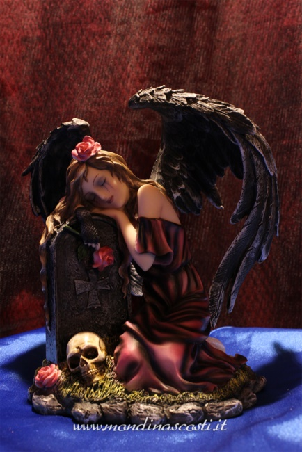 Dark Angel su tomba RECABEL