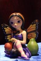 Peach Plum Pear di Jasmine Becket